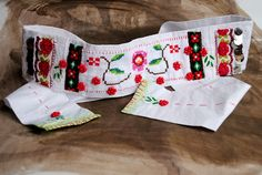 Brau/Curea  Ethni City (109 LEI la BohemianSin.breslo.ro) Romania, Christmas Stockings, Symbols, Traditional, Holiday Decor, City, Home Decor, Homemade Home Decor, Icons