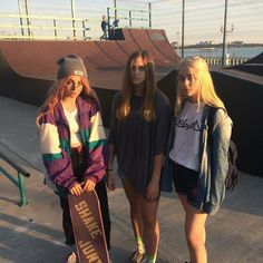 Radical duudee Indie in 2019 Outfits Skater girls Grunge outfits Style Outfits, Grunge Outfits, Cute Outfits, Fashion Outfits, Tomboy Outfits, Fashion Pics, Emo Outfits, Disney Outfits, Skater Girl Style