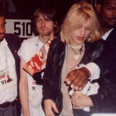 Kurt Cobain & Courtney Love, 1993 never seen this pic crazy!!!!!!!!!!!!