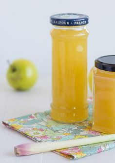 Apple and lemon marmalade. Jam Recipes, Fruit Recipes, Apple Recipes, Chutney, Homemade Sweets, Smoothie, Sweet Sauce, Recipe For Mom, Lemon Lime