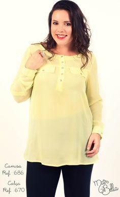 Camisa em Crepe (100% Poliéster) com botões e detalhe de lapela. Disponível nas cores: Amarelo, Verde Água e Coral. // Calça em Premium (92% Poliamida e 8% Elastano)  com recortes e bolsos atrás. Disponível em: Preto e Rubi.