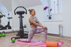 EROON SELKÄKIVUISTA - 15 venytystä helpottamaan alaselän ja lonkan kipuja Hello Kitty, Gym Equipment, Sports, Stretching, Hs Sports, Workout Equipment, Stretching Exercises, Sport, Sprain