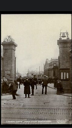 Gates at Woolwich Dockyard London History, Local History, British History, Family History, History Pics, Vintage London, Old London, Vintage Photographs, Vintage Photos