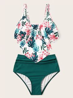 To find out about the Random Tropical Floaty Top With Ruched Bikini at SHEIN, part of our latest Bikinis ready to shop online today! One Piece Swimwear, Bikini Swimwear, Bandeau Swimsuit, Swimwear Sale, Bikini Beach, Bikini Tops, Sport Bikini Set, Mode Boho, Cute Bathing Suits
