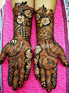 📌 hajra::::: design for a girl👌👌👍👍 Palm Mehndi Design, Rose Mehndi Designs, Legs Mehndi Design, Indian Mehndi Designs, Mehndi Designs 2018, Modern Mehndi Designs, Wedding Mehndi Designs, Mehndi Design Pictures, Beautiful Henna Designs