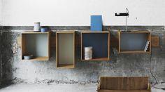 SJ Bookcase in Bambus und trendigen Dusty Colours von We Do Wood.