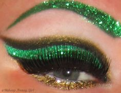 Eye Kandy's Sour Berry and Sugar Cane for this fun Christmas look.