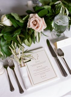 Elegant table decor: http://www.stylemepretty.com/wyoming-weddings/jackson-hole/2015/03/10/elegant-jackson-hole-summer-wedding/ | Photography: Ashley Merritt - http://ashleymerrittphotography.com/