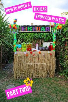 How To Build A Tiki Bar Using Old Pallets – Part How to build a tiki bar from old pallets – this is perfect for a Hawaiian Luau or tropical party! Aloha Party, Luau Theme Party, Hawaiian Luau Party, Hawaiian Birthday, Luau Birthday, Tiki Party, Hawaiin Party Ideas, Adult Luau Party, Hawaiin Theme Party