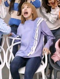 Meme Faces, Funny Faces, One Pic, 3 In One, Sakura Miyawaki, Rich Family, Japanese Girl Group, Quality Memes, Cute Memes