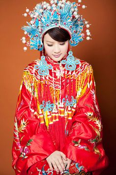 Qing dynasty styled traditional Chinese wedding dress with phoenix crown (鳳冠) headpiece still used in modern Taiwanese weddings. - Wikipedia, the free encyclopedia