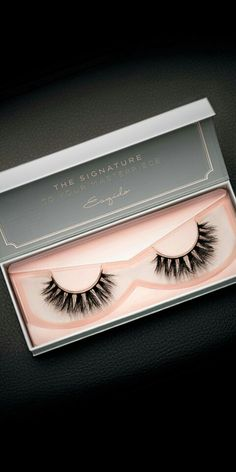 Exclusive Noire lash with Multi-Curl. Best paired with medium to full makeup. How To Draw Eyelashes, Applying False Eyelashes, Applying Eye Makeup, Longer Eyelashes, Apply Eyeliner, Full Makeup, Kiss Makeup, Beauty Makeup, Makeup Goals