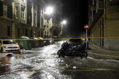 Las olas de hasta 5 metros inundan varias calles de San Sebastián