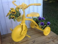 67 Flower Planters from Old Bicycle for Garden – Balcony Decoration Ideas in Eve… 67 jardineras de flores de Old … Cottage Garden Design, Garden Whimsy, Garden Art, Bicycle Decor, Old Bicycle, Bicycle Shop, Vintage Garden Decor, Diy Garden Decor, Garden Yard Ideas