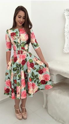 Cute & adorable outfit ideas for women. Trend Fashion, Cute Fashion, Modest Fashion, Women's Fashion Dresses, Dress Outfits, Modest Dresses, Cute Dresses, Vintage Dresses, Beautiful Dresses
