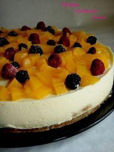 TARTE DE PÊSSEGO: Adoro fazer tartes pois posso sempre variar nos sabores,decorar como me apetece e sabem sempre bem seja verão ou inverno. Muitas das vezes faço de ...