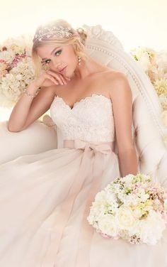 Essence of australia ballgown wedding dress, moscato, sweetheart neckline