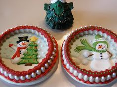 Christmas 3D snowglobe decorated cookies, inspired by Julia Usher.