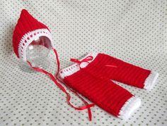 Conjunto Medieval de Natal todo feito a mão, com fio macio e acabamento com fita fina de cetim. Ideal para fotografia Newborn.   *Tamanho disponível: RN;   **Demais tamanhos, verificar disponibilidade.  R$ 84,00