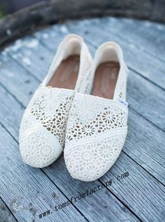 Awesome!Toms Shoes!! Sooooo Cute! ##Toms #shoes $27