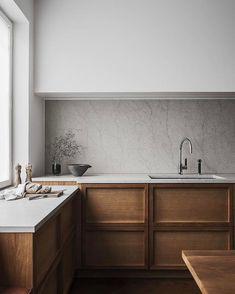 Is the All-White Kitchen Trend Finally Over?? - Apartment34 Simple Kitchen Design, Interior Design Kitchen, Bathroom Interior, Rustic Kitchen, Kitchen Decor, Kitchen Modern, Scandinavian Kitchen Cabinets, Minimalist Kitchen Counters, Nordic Kitchen