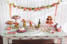 best Ideas for bridal shower brunch desserts valentines day Valentines Day Desserts, Valentines Day Party, Valentines Day Decorations, My Funny Valentine, Valentine Day Love, Saint Valentine, Valentinstag Party, Project Nursery, Brunch Mesa