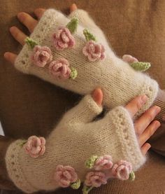Isolde White-Hands pattern by Lanja Sámsdóttir Free knit pattern….Isolde White-Hands is a very simple mitten (or fingerless mitt or gauntlet) with eyelets embellished with crocheted roses and leaves. Crochet Mittens, Crochet Gloves, Fingerless Gloves Knitted, Knitted Hats, Knitted Dolls, Knitting Patterns Free, Free Knitting, Free Pattern, Bracelet Crochet