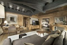 Chalet Edelweiss Courchevel 1850 master bedroom with large lounge area