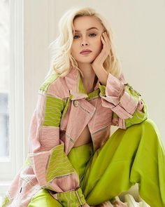 Image about girl in Zara Larsson by Psycho on We Heart It Zara Larsoon, We Heart It, Model Test, Gwen Stefani, Female Singers, Celebs, Female Celebrities, Beautiful Women, Ruffle Blouse