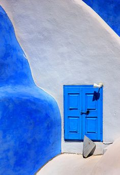 The Greek Concept of Beauty - Santorini, Kyklades