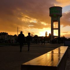 Sunset au Port Boinot jour d'inauguration. #igersniort #igersdeuxsevres #igersfrance #niort #portboinot #sunset #skylovers #skyporn #sky #coucherdesoleil #cettesemainesurinstagram #kodakmoments #france4dreams #grainedephotographe #deuxsevrestourisme #niortmaville #niortmaraispoitevin #etod79_79 #etod79_niort #etod79_sky #etod79_clouds #etod79_sunset Seattle Skyline, Album, Celestial, Sunset, Instagram, Travel, Outdoor, Puertas, Photography