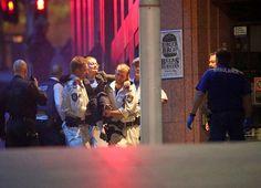 Spauda: Policija šturmavo kavinė įkaitais Sidnėjuje