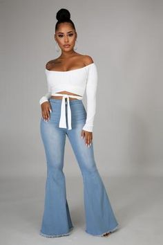 High Waisted Black Jeans, High Waist Jeans, Flare Jeans Outfit, Blue Jean Outfits, Outfit Look, Black Girl Fashion, Cute Casual Outfits, Sexy Outfits, Girl Outfits
