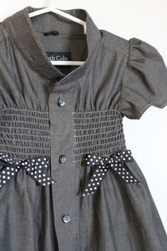 his work shirt to her school dress Girl's Dress from Men's Dress Shirt Clothes Crafts, Sewing Clothes, Fashion Moda, Diy Fashion, Work Shirts, Shirts For Girls, Little Girl Dresses, Girls Dresses, Dress Girl