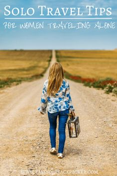 Contemplating moving overseas or are you a new expat struggling to find your way? Here are tips for how to settle into expat life, from expats who know. Solo Travel Tips, Travel Advice, Travel Guides, Travel Articles, Intuition, Voyager Seul, Alone Quotes, Mental Training, Travel Alone