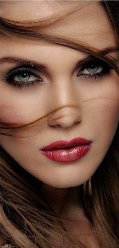 Rosamaria G Frangini | High Makeup |