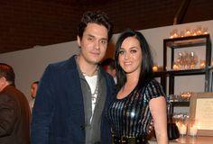 Katy Perry Pamer Cincin Tunangan? - Yahoo Celebrity Indonesia