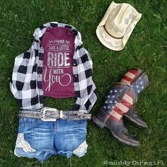 Adorable photo put together by one of our Tumblies! We love the tank (of course) and we love the outfit. Are you ready for Stagecoach?? Get ready at tumbleroot.com