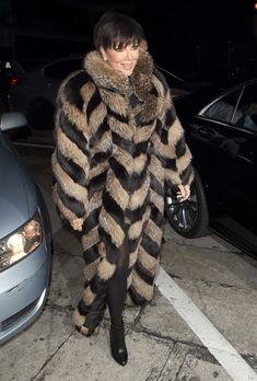 Kris Jenner's style is definitely inspired by Disney characters — especially the villains! Click above for picture proof. Kardashian Jenner, Kendall Jenner, Kris Jenner Style, Kylie Travis, Fur Coat Fashion, Jenner Family, Disney Style, Style Guides, Celebrity Style