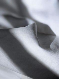 Cotton & Viscose Tessuti Cotton Pictures, Fabric Pictures, Close Up Photography, Photography Women, Wearing Purple, Cotton Plant, Black Vase, Woman Smile, Purple Scarves