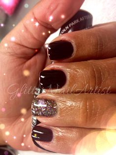 GlitterNailArtist|  Lincoln Park After Dark w/ a pop of glitter -- gel manicure, dark nails, winter nails, fall nails
