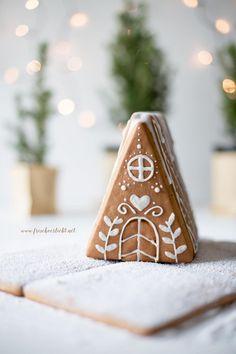 Lebkuchenhaus Christmas Gingerbread, Noel Christmas, Christmas Countdown, Christmas Cats, Rustic Christmas, Christmas And New Year, All Things Christmas, Christmas Cookies, Gingerbread Houses