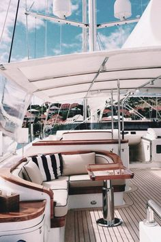 Luxusyachten innen  Facebook is worth over $10Bil. What was your share? Join tsu.co ...