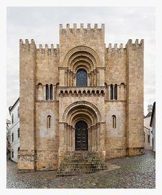 Sé Velha de Coimbra (XII-XIII). Romanico, Gotico e Renacentista. Coimbra, Portugal. Photo credit : Markus Brunetti.