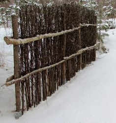 Tee se itse -ideoita puutarhaan : helmikuu 2013 [Finnish: Do it yourself ideas for garden, February Cerca Natural, Backyard Fences, Garden Fencing, Backyard Landscaping, Rustic Gardens, Outdoor Gardens, Outdoor Projects, Garden Projects, Fence Design