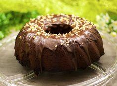 Der Schoko-Zimt-Kuchen ist low carb, glutenfrei und super lecker. Der Kuchen eignet sich perfekt zum Kaffeeklatsch oder zu einer Tasse Milch auf der Couch.