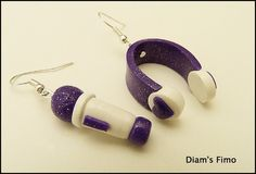 Une paire de Boucles d'oreilles pour les fans de Violetta.