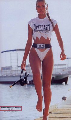 Kim Alexis in Bonaire on the Flamingo hotel dock for the 1984 Sports Illustrated Swimsuit Issue, photographed by Paolo Curto. Kim Alexis, Scuba Girl, Indie Outfits, 80s Fashion, Gorgeous Women, Beautiful, Bikini Girls, Swimwear, Sports Illustrated