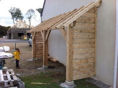 Shed Plans - Réalisation d'un abri bois (12 messages) - ForumConstruire.com - Now You Can Build ANY Shed In A Weekend Even If You've Zero Woodworking Experience! Firewood Storage, Shed Storage, Teds Woodworking, Woodworking Projects, Popular Woodworking, Woodworking Videos, Diy Jardim, Woodworking Business Ideas, Lean To Shed