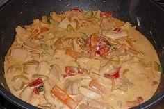 Thai Curry - Einfach Nur Lecker Thai Curry, Paella, Chicken, Meat, Ethnic Recipes, Food, Zucchini, Food And Drinks, Essen